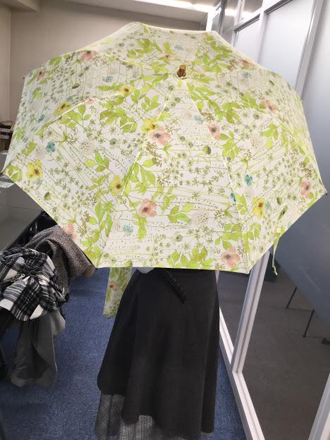 日比谷花壇 母の日 リバティプリント「日傘」とアレンジメントのセット
